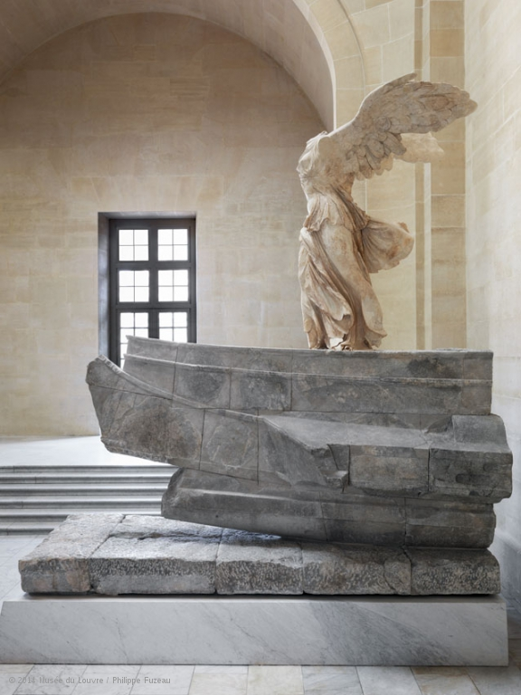 louvre-winged-victory-samothrace01